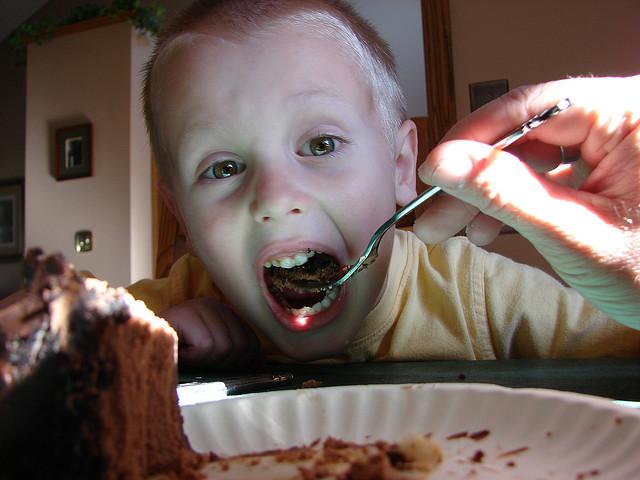 το παιδί να φάει όλο του το φαγητό