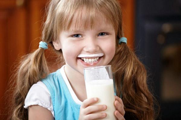Τί γάλα να πίνει το παιδί μου;
